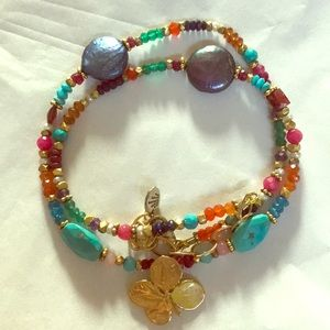 Jewelry - Beaded necklace with gold coated four leaf clover